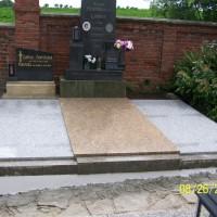 hrobka 8