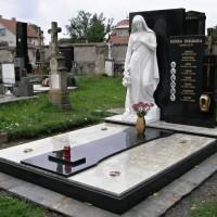 hrobka 10